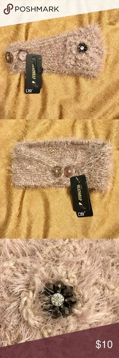 NWT Tan Knit Head Wrap Ultra soft D&Y hand knit head wrap. Keep your ears warm in style! Super cozy and fuzzy! Adjustable size, buttons on the back. Pretty beaded flower on the side, adds a bit of sparkle! 100% polyester.                                •New with tags!•                                                                   •Price is super flexible! Make an offer!• David & Young Accessories Hair Accessories