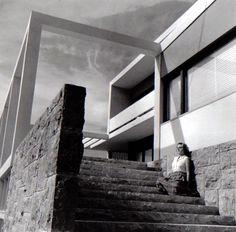 Numidico Bessone's House, Lisbon. Bento d´Almeida, Victor Palla Architects. 1953-56