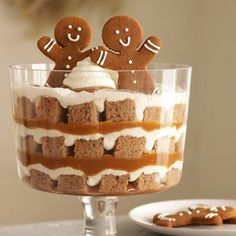 """Turn regular gingerbread into a show-stopping dessert for the holidays quicker than you can say """"Jingle Bells. Desserts In A Glass, Great Desserts, Köstliche Desserts, Delicious Desserts, Dessert Recipes, Chef Recipes, Plated Desserts, Christmas Desserts Easy, Christmas Treats"""