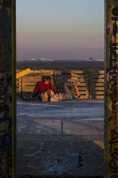 Love at Teufelsberg, Devil's Mountain, Berlin, 2016. ©Giulia Filippi Photography