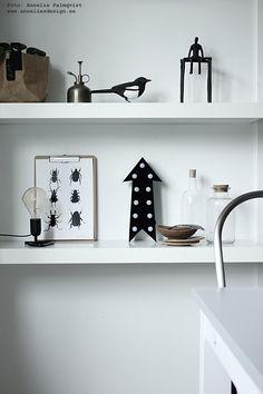"Skata, konsttryck ""Skalbaggar"", cirkuslampa pil: www.anneliesdesign.se"