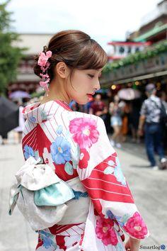 Kimono Japan, Japanese Kimono, Japanese Outfits, Japanese Fashion, Kimono Fashion, Girl Fashion, Beautiful Japanese Girl, Oriental, Lace Lingerie Set