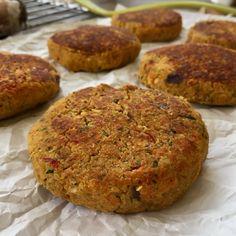 Hamburguesas de Garbanzo y Quinoa – Recetas de Javi Burritos, Healthy Life, Muffin, Healthy Recipes, Healthy Food, Keto, Breakfast, Ethnic Recipes, Gluten