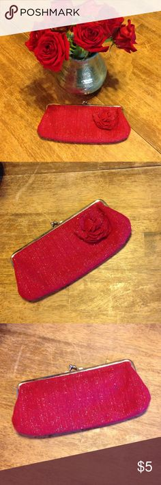 Selling this Old Navy Red Tweed Clutch // Dainty and Cute on Poshmark! My username is: crystalbunch. #shopmycloset #poshmark #fashion #shopping #style #forsale #Old Navy #Handbags