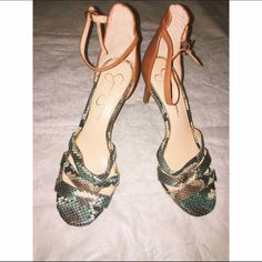 """Earth Multi Baja SnakeSkin Heel  Brand new , never worn  Snake skin print , beautiful for the summer/spring time , cute to pair up with a nice blouse & a pair of jeans  My Measurements for future references  Height - 5'6  Weight - 110  26' waist bust' 34B    Approx . 4""""-5 inch Heel Color - Green , Hints of blue , Carmel tan , Creme Brand - Jessica Simpson  No asking for """"what's lowest"""" Offers through the offer button ONLY  Jessica Simpson Shoes"""