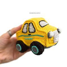 Поехали!!! Хорошо иметь такую машину, ее нельзя сломать! Для нас хороший вариант, у сына машины долго не живут, игры у него такие, что не все машинки остаются в целости! . . . . #weamiguru #amigurumi #crochet #crochettoy #car #crochetcar #toy #knitkids #forboys #амигуруми #вязанаямашинка #вязанаяигрушка #вяжутнетолькобабушки #машинкадлямальчика #вязаниекрючком #weamigurumi #развивающиеигрушки #вяжутнетолькобабушки #knitstagram