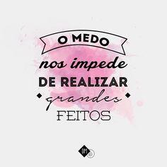 """""""nossas dúvidas são traidoras e nos fazem perder o que com frequência poderíamos ganhar por simples medo de arriscar. """" (William Shakespeare) bom diiia! #quote #mood #frasedodia #pensamento #levantaeanda #quoteoftheday"""