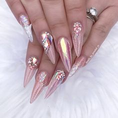 Pin de francisca fregoso en diseno en 2019 красивые ногти, ногти y дизайн н Dope Nails, Glam Nails, Bling Nails, Stiletto Nails, Glitter Nails, Creative Nail Designs, Nail Art Designs, Unicorn Nails, Luxury Nails