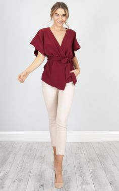Always On Time top in wine SHOWPO Fashion Online Formal Business Attire, Business Casual Outfits, Professional Outfits, Casual Fall Outfits, Business Professional, Stylish Work Outfits, Office Outfits, Colored Pants Outfits, Work Fashion