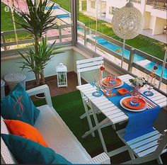 Balkon, Mavi, Turuncu To be able to have a wonderful Modern Garden Decoration, it's beneficial to be available to all … Porches, Garden Furniture, Outdoor Furniture Sets, Outdoor Decor, Diy Balkon, House With Balcony, Sweet Home, Small Outdoor Spaces, Balcony Design