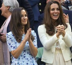 Pippa Middleton and her sister Kate, the Duchess of Cambridge, pictured in 2012 watching Photo (C) GETTY IMAGES