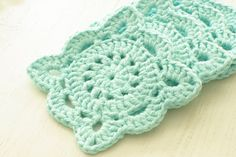 I want to figure this pattern out. So pretty!! Crochet Coaster