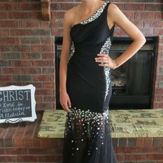 Prom Dress Black prom with silver sparkles. In perfect condition. In perfect condition. Dresses Prom