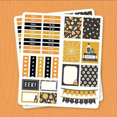 Calling all planner lovers! We've got a free set of printable halloween stickers for you!