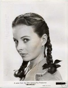 """Pretty Jeanne Crain in the fun and nostalgic """"Margie"""" Vintage Hollywood, Classic Hollywood, 1950s Movie Stars, Jeanne Crain, Golden Star, Girl Next Door, American Actress, Movies And Tv Shows, Braided Hairstyles"""