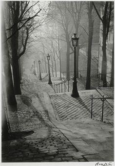 Brassaï: Les Escaliers de Montmarte, Paris 1936.