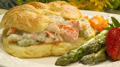 Florida Lobster Roll - Florida spiny lobster recipes - Chef Justin Timineri Florida Department of Agriculture and Consumer Services Florida Spiny Lobster Recipe, Entree Recipes, Seafood Recipes, Copycat Recipes, Sauce Recipes, Lobster Roll Recipes, Lobster Rolls, Florida Food, Gourmet
