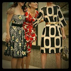 Maggy London Featured in Sex In the City!! This fabulous dress was featured in the Sex in the City movie. Very classy! You can wear with or without a belt. Worn once Maggy London Dresses Midi