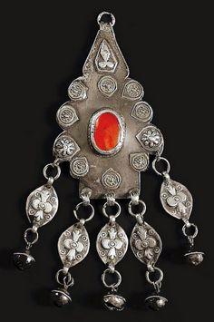 Turkestan | Pendant; silver and carnelian.  Yomud | 20th century