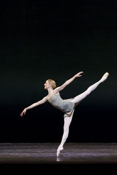 Sarah Lamb in Song of the Earth  photo by Johan Persson