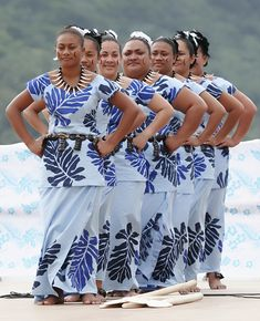 Samoan Women - Traditional Dress