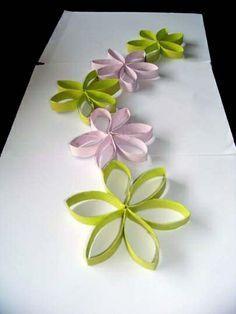 Décoration faite de fleurs en rouleaux de papier WC - tutoriel