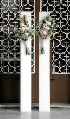 Maid Of Honor, Groomsmen, Ideas Para, Ladder Decor, Floral Arrangements, Wedding Decorations, Invitations, Candles, Events