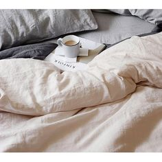 Lisbon Bed Linen in Powder Pink (100% Linen) | Luxury Bed Linen