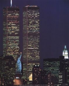 Wtc With Statue Of Liberty Visited the north tower while the south tower was still being constructed