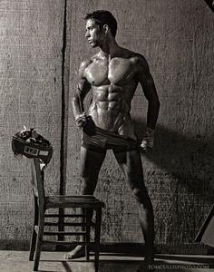 Aaron Van Driessche: Sexy Hunk. Tom Cullis Photos