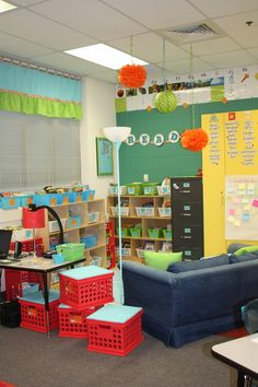 cute classroom ideas...like the couch and lamps
