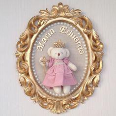 👑Para anunciar a chegada da Princesinha Maria Eduarda... Porta Maternidade Ursa Princesa. Obrigada pelo carinho mamãe @zeliapamplona, muitas felicidades e saúde para essa mocinha!!!