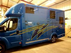 Finished vinyls on the 4.5 tonne Aeos #KPHLTD #HorseHour #Equihour #EquineHour #horsebox #horse