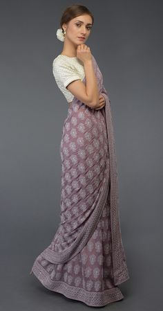 Heirloom Pick Masterpiece Chikankari & Kamdani Saree ( With 2 Blouses) Indian Fashion Dresses, Dress Indian Style, Indian Designer Outfits, Indian Blouse, Fashion Outfits, Saree Blouse Patterns, Sari Blouse Designs, Street Style Trends, Udaipur
