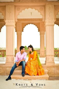 We shot Saurav and Priyanka in the wee hours of the morning. They hardly had slept for an hour but looked brilliant in the soft morning sun with the beautiful Sardarshahar temple in Rajasthan as the backdrop. A frame-worthy romantic moment!