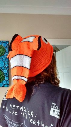 Ravelry: Project Gallery for Fish Hat [Dead or Alive?] pattern by Thelma Egberts Dead Fish, Knit Mittens, Ravelry, Knitting Patterns, Winter Hats, Cap, Boots, Projects, Long Scarf
