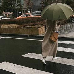 City Aesthetic, Aesthetic Photo, Aesthetic Pictures, Photo Widget, Templer, Applis Photo, City Girl, Mode Inspiration, Fashion Inspiration