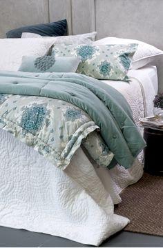esta white bedspread