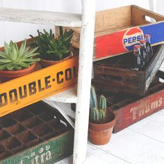 Nothing makes seasonal decorating easier than vintage wooden crates. In fact, decorating in general is easy with vintage crates. They make excellent storage, Love Home, My Dream Home, Vintage Wooden Crates, Vibrant Colors, Colours, Shabby Chic Style, Uk Fashion, Seasonal Decor, Farmhouse Style