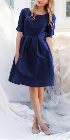 darling navy blue dress  http://rstyle.me/n/wnyvspdpe