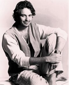 Cameron Daddo as Quentin Cross