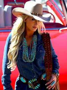 ~ This is a slammin' western look. I love the cowgirl hat & band, layers of turquoise necklaces, leather concho belt, denim shirt, white skirt & shoulder bag. Perfect components for a mountain gal like me! Sexy Cowgirl, Cowgirl Hats, Cowgirl Outfits, Cowgirl Style, Western Outfits, Gypsy Cowgirl, Cowgirl Clothing, Cowboy Boots, Boho Gypsy