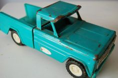 if anyone doesn't know this about me, i collect vintage toy trucks/cars. if you need to get rid of any, let me know!