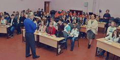 В городах Заполярья проходят образовательные фестивали для старшеклассников «Наш город». Уже второй год подряд это мероприятие проводит проект «Школа городских компетенций», который реализуется Комитетом гражданских инициатив в городах Заполярья в рамках благотворительной программы ГМК «Норильский никель» «Мир новых возможностей».