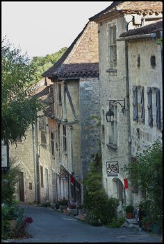 St-Cirq Lapopie chosen the most beautiful village 2012 in France by the French