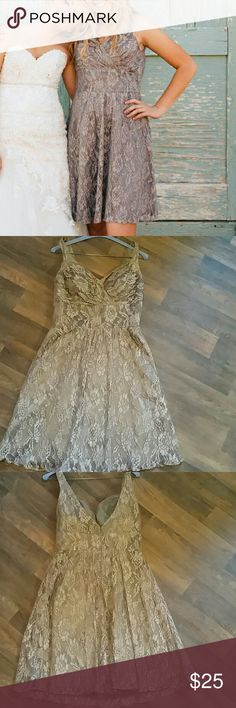 Dress holiday price only worn once to a wedding no alterations