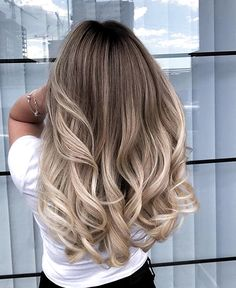 Amazing Blond Balayage Hair Colors For Long Hair In 2019 - Page 6 of 16 - Dazhim. - Amazing Blond Balayage Hair Colors For Long Hair In 2019 - Page 6 of 16 - Dazhim. Ombré Hair, Wavy Hair, Dyed Hair, Short Curled Hair, Curls Hair, Blonde Layered Hair, Blonde Layers, Ombre On Blonde Hair, Ombre Hair For Blondes