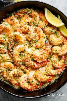 Oven baked shrimp with a hint of lemon and garlic, topped with flavourful golden and buttery, garlic parmesan breadcrumbs. Only minutes to prepare!