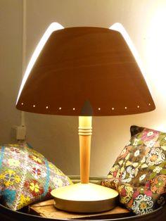 Preciosa lámpara diseño escandinavo, años 70