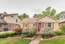 714 N Dryden Ave , Arlington Heights, Illinois 60004 MLS #09240525 $439,000  With plenty of square footage to spread out this Home is a must see. 4 Bed 2.5 Bath in Wonderful A.H. neighborhood! Updated Kitchen w/ Granite tops, Newly rehabbed family room with built-ins. Great finished basement with bar. Beautifully landscaped Huge backyard perfect for entertaining inside and out. #NewHome #RealEstate